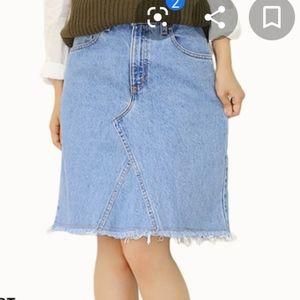 Vintage Levi's jean skirt sz 14 raw hem